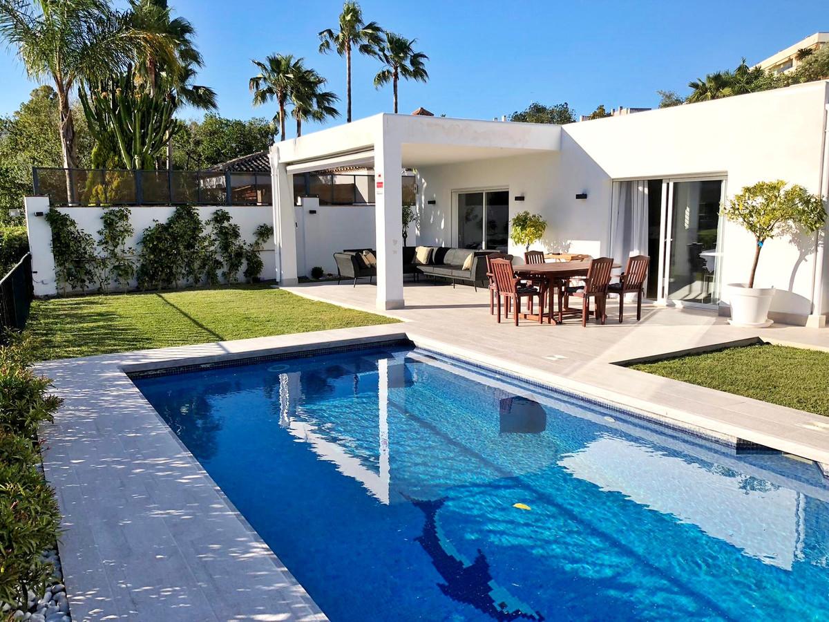 Villa Individuelle à Guadalmina Alta R3483007