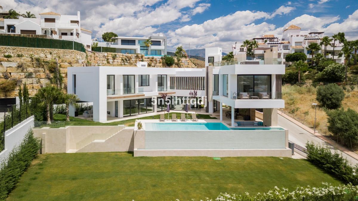 Detached Villa for sale in Benahavís R3468181
