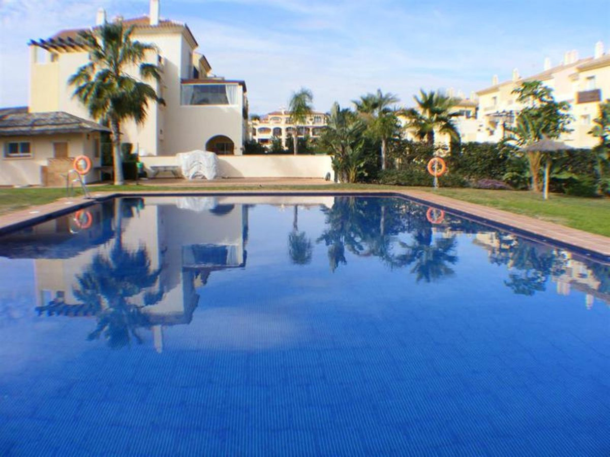 Middle Floor Apartment, La Cala de Mijas, Costa del Sol. 2 Bedrooms, 2 Bathrooms, Built 85 m², Terra,Spain