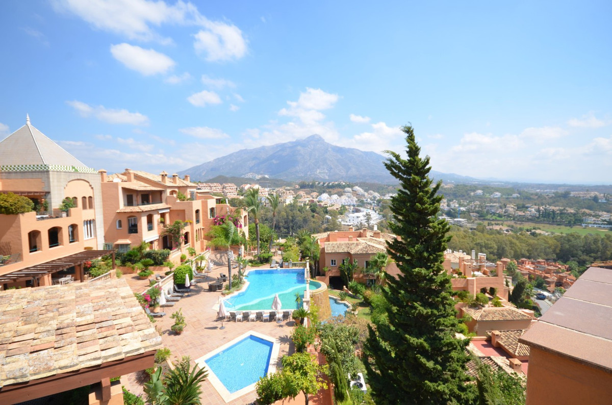 Apartamento con 5 Dormitorios en Venta Nueva Andalucía