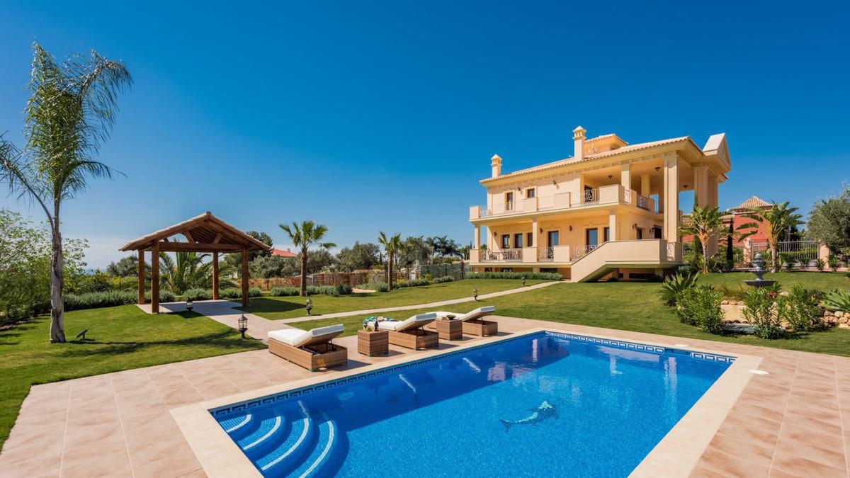 5-bed-Detached Villa for Sale in The Golden Mile
