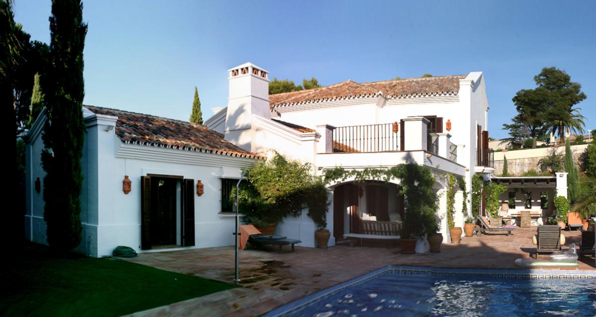 Detached Villa · El Madroñal