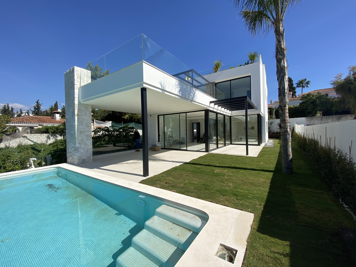 Contemporary new build villa to be completed by January 2021, built to the highest standards with ev,Spain