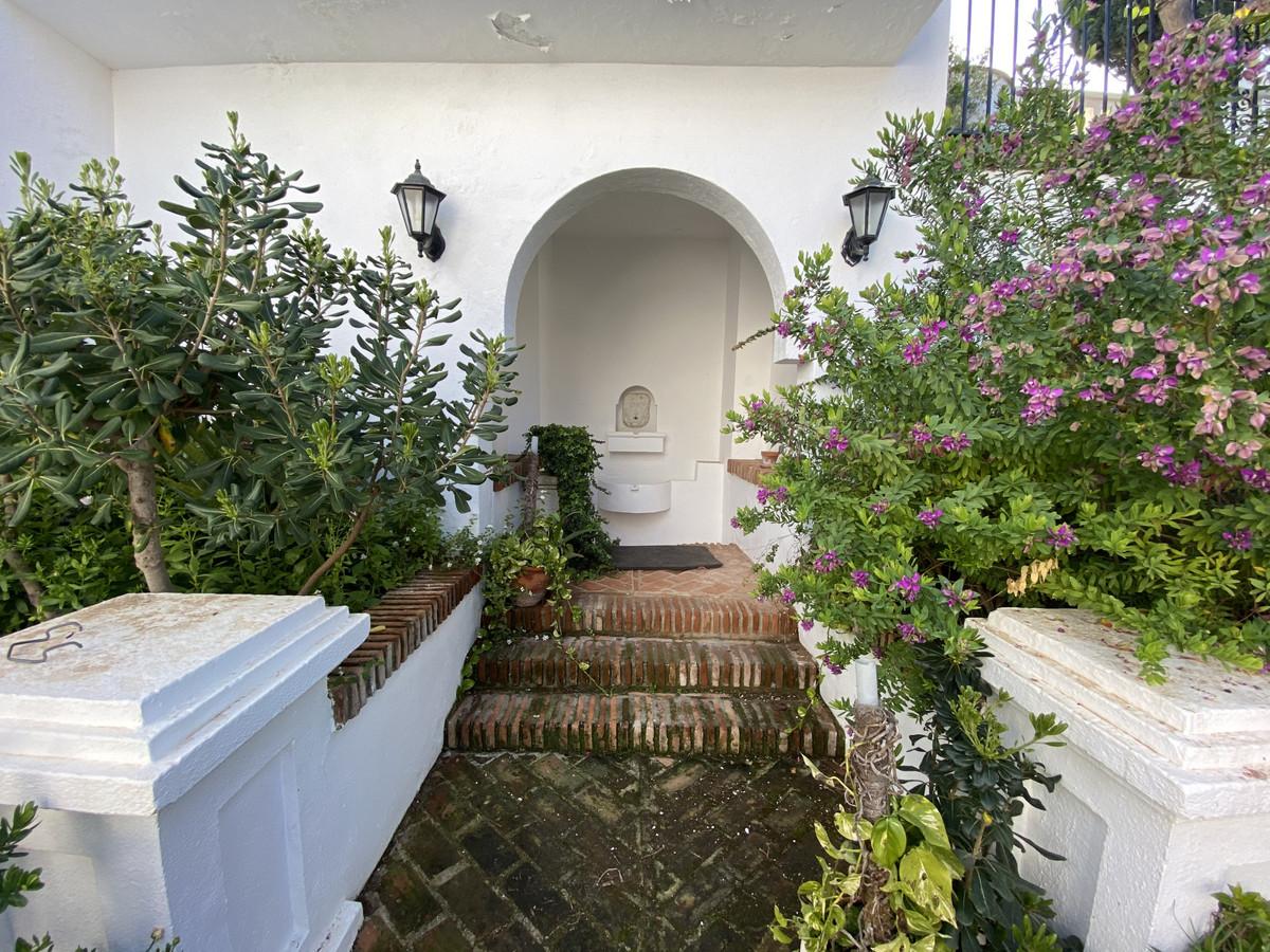 House en Aloha R3830077 13