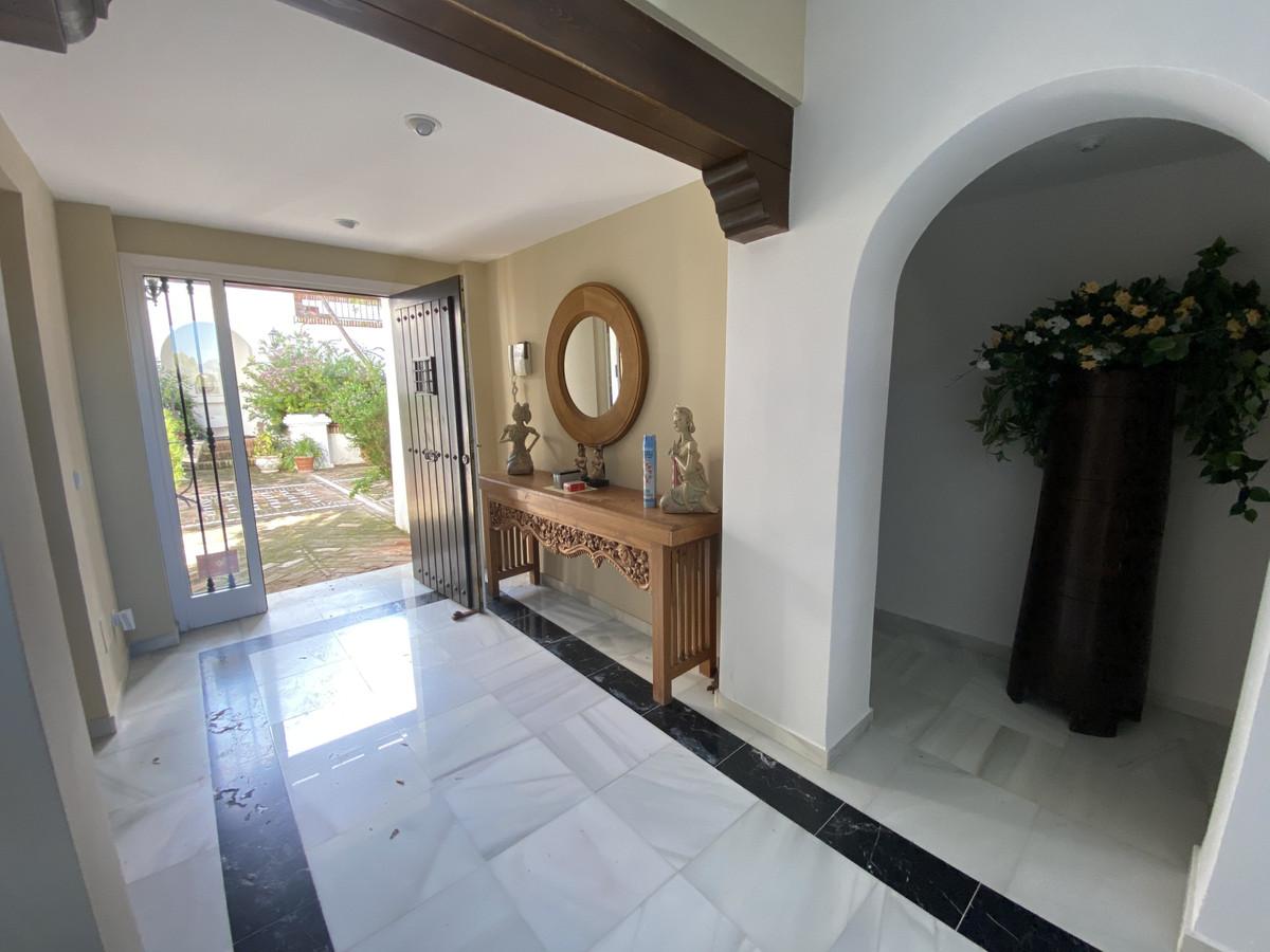 House en Aloha R3830077 16