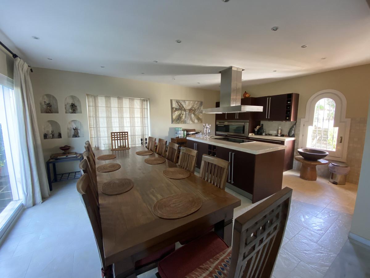 House en Aloha R3830077 27