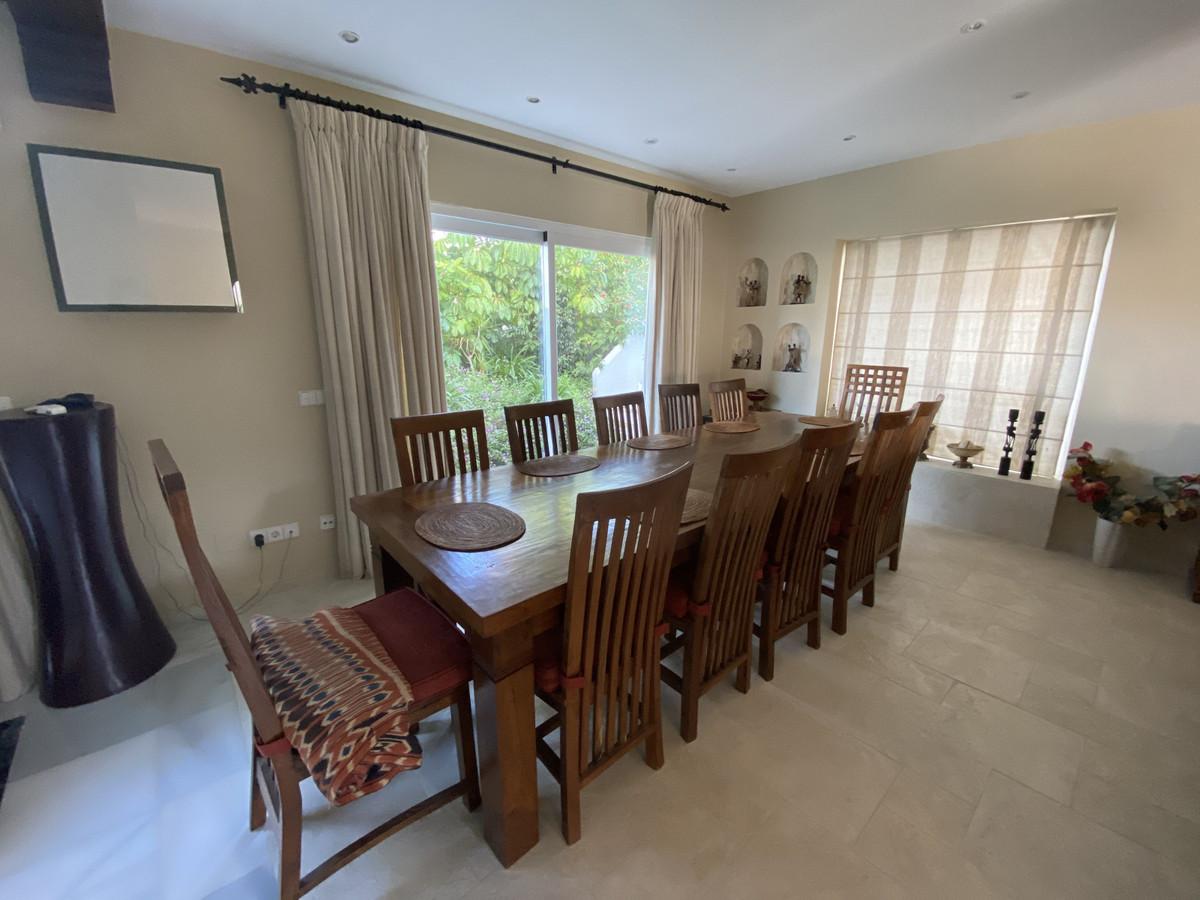 House en Aloha R3830077 28