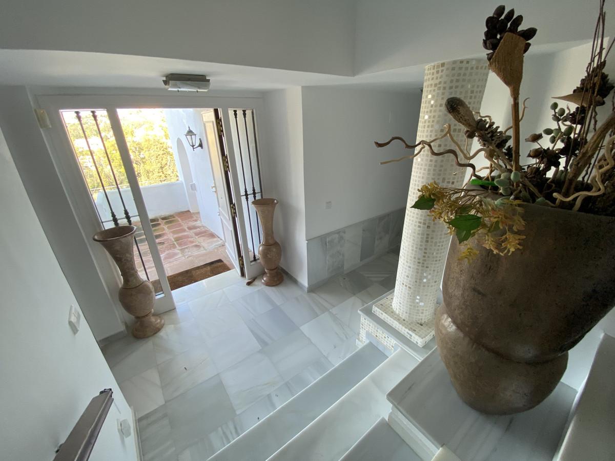 House en Aloha R3830077 35