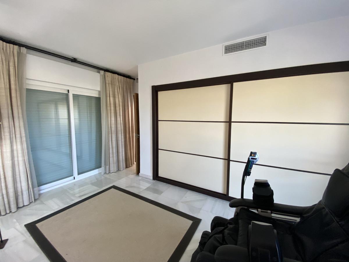 House en Aloha R3830077 50