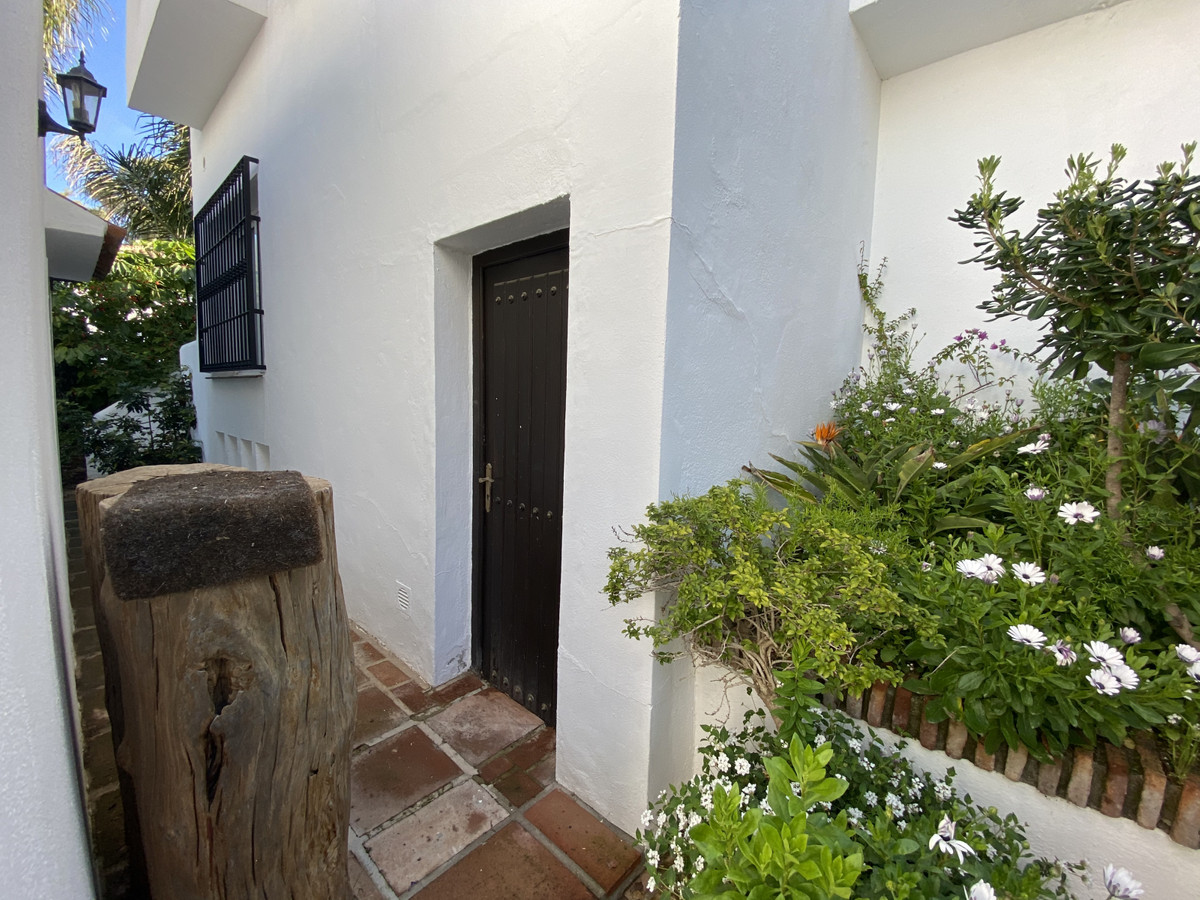 House en Aloha R3830077 55