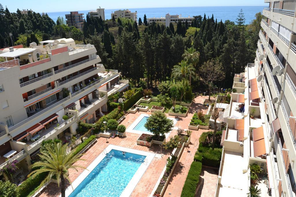 Sunny apartment located in the center of Marbella, only a short walk to the beach and near shops and,Spain