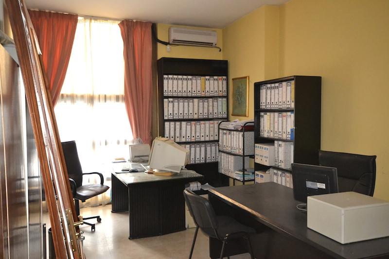 Oficina en Puerto Banús