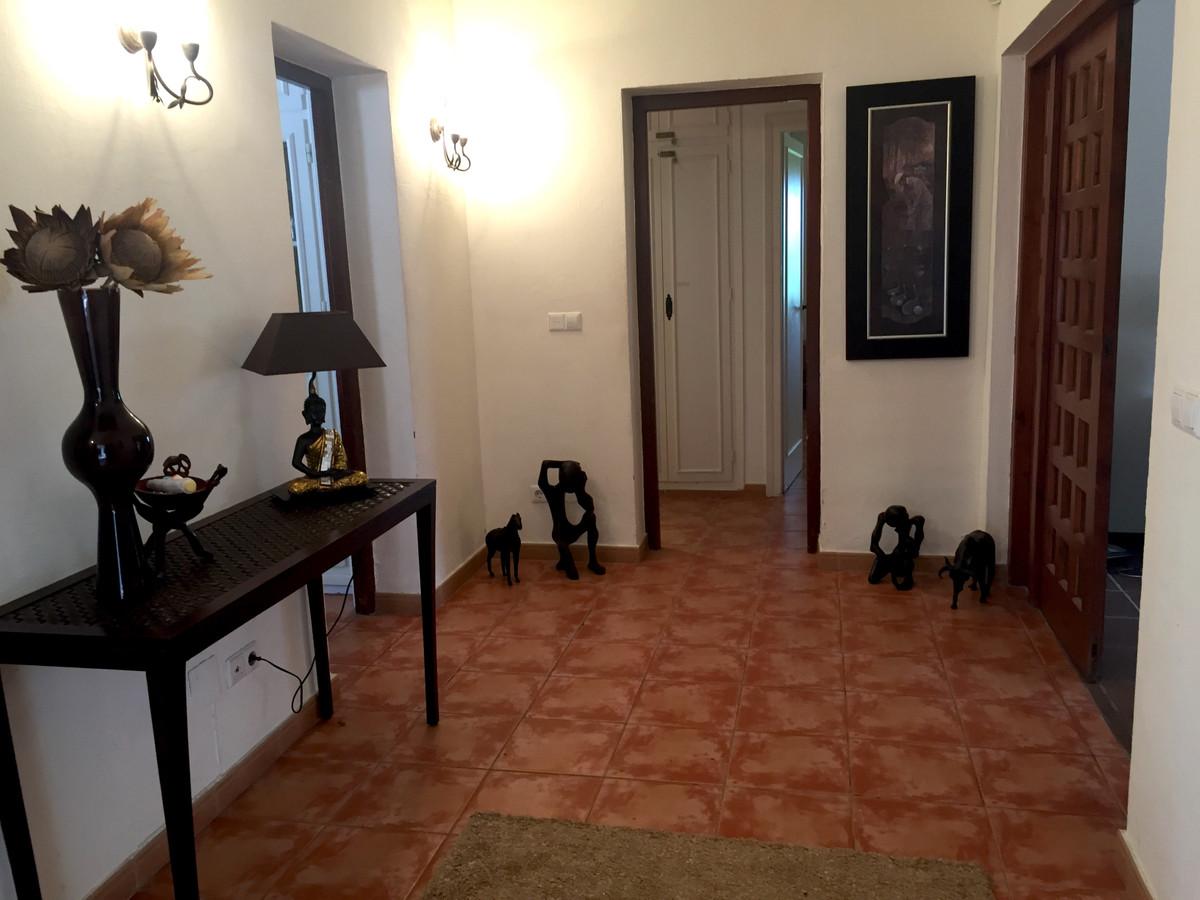 House in Atalaya R3174259 8