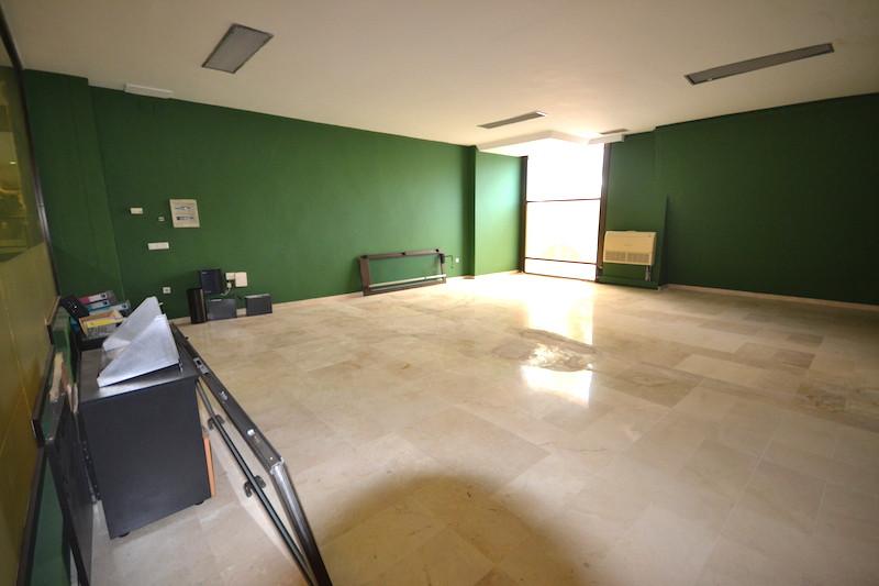 Comercial 0 Dormitorios en Venta Puerto Banús
