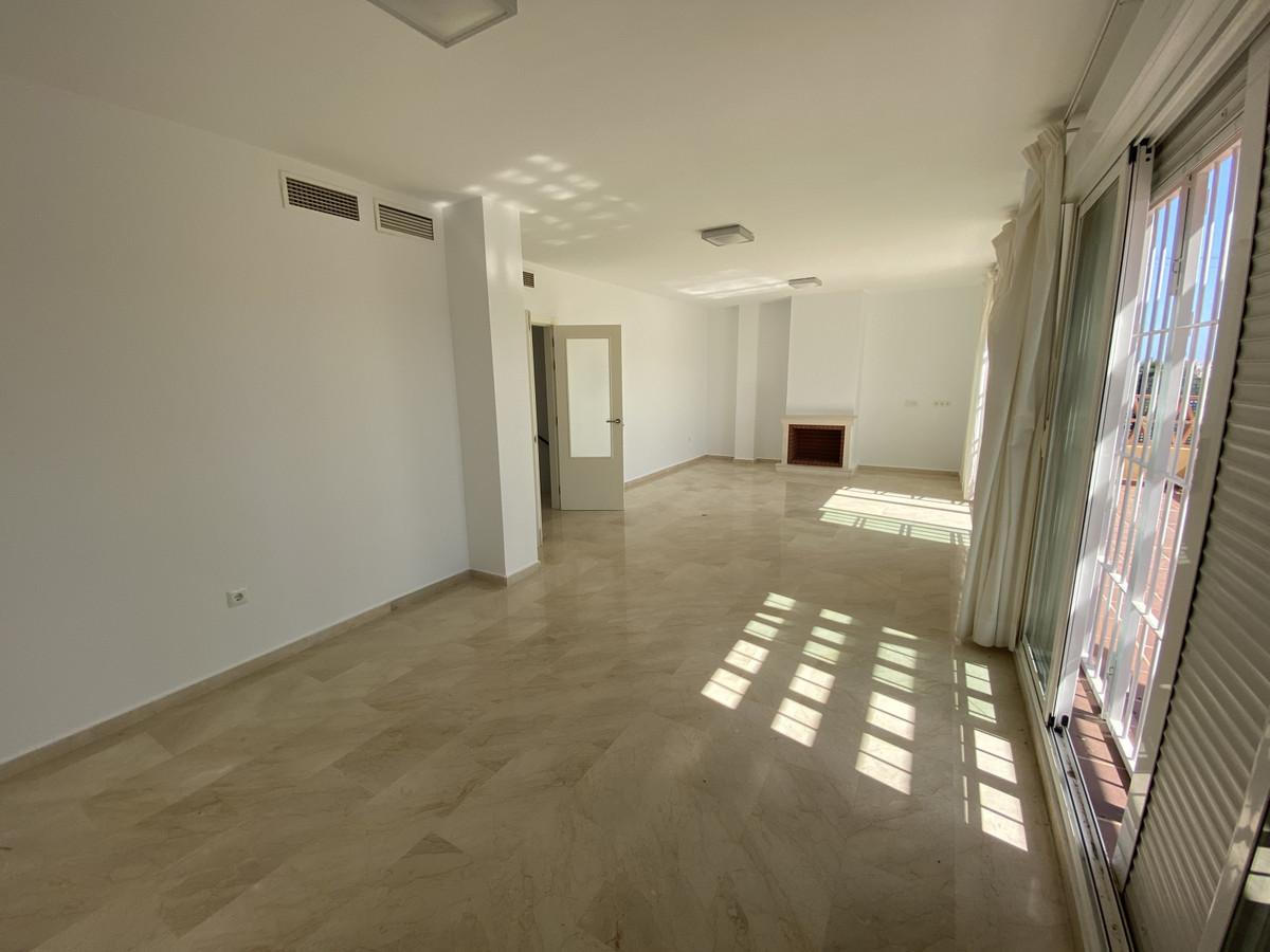 Villa Pareada en Bel Air, Costa del Sol