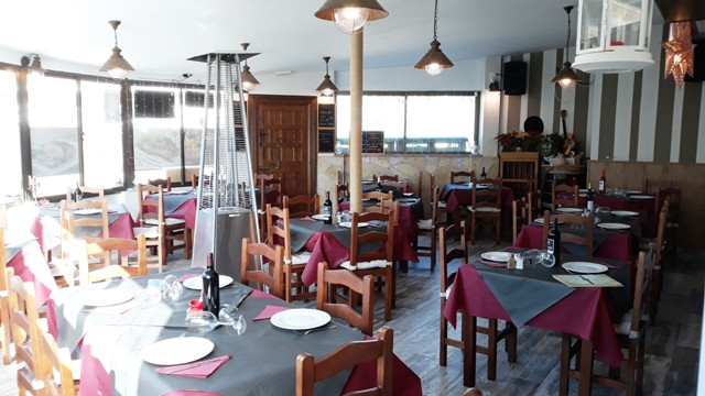 Exclusive! A very well known, 300m² restaurant plus 3 bedroom accommodation for sale on the Costa de,Spain