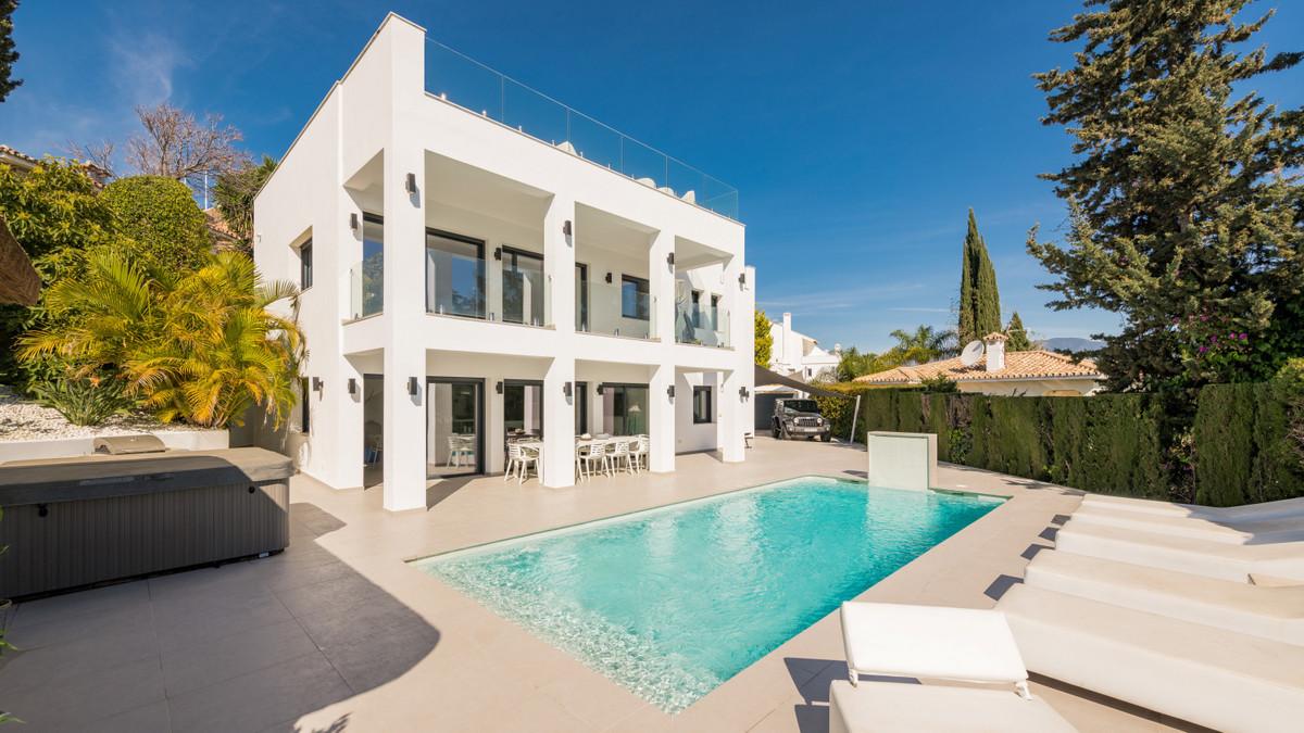 6 bedroom villa for sale puerto banus