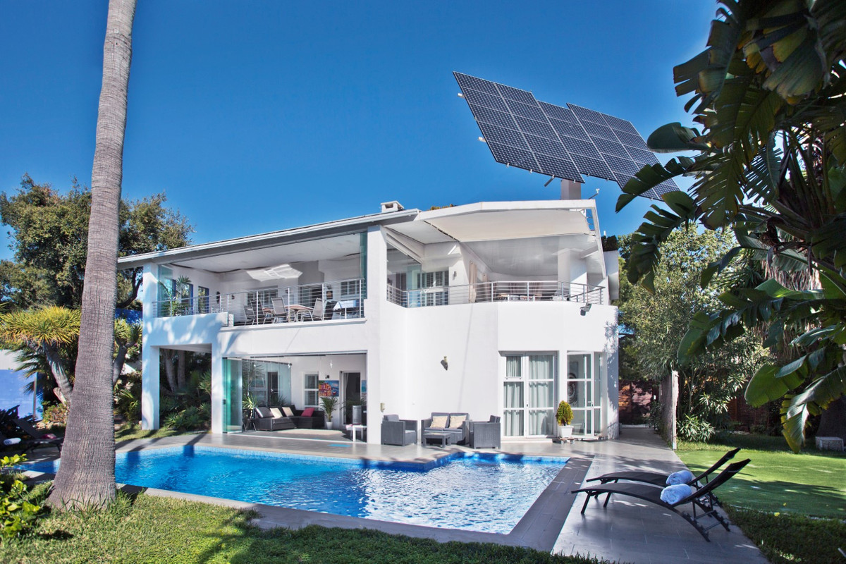 Detached Villa for sale in Elviria R3628241
