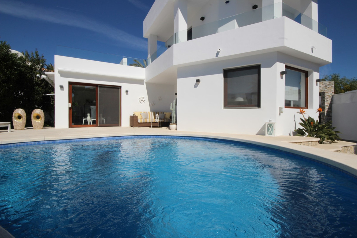 Detached Villa for sale in Marbesa R3628247