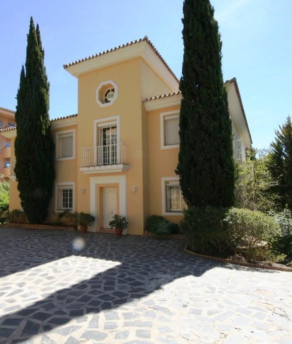 9 Bedroom Villa For Sale, Elviria
