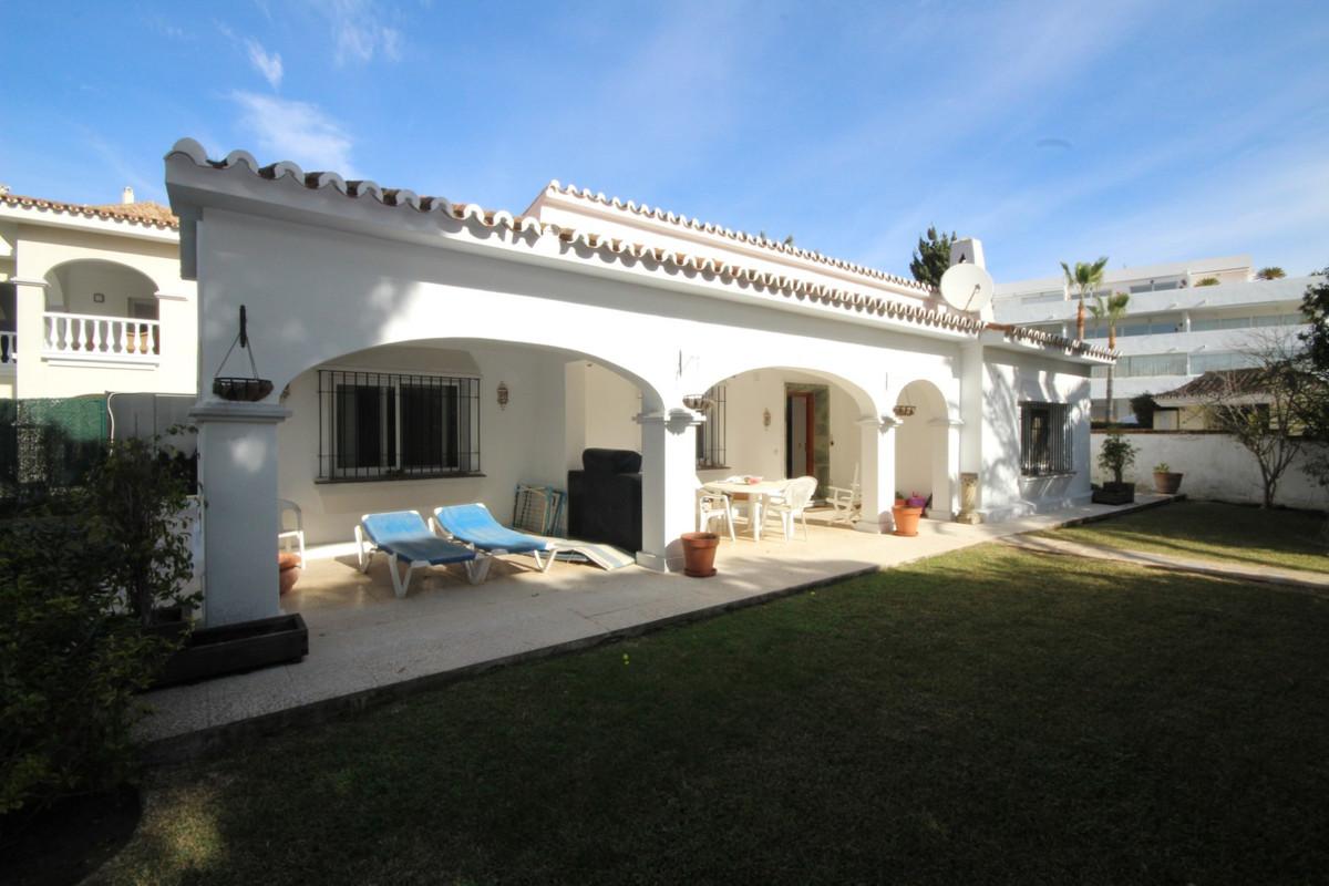Semi Detached Villa for sale in Elviria - Marbella East Semi Detached Villa - TMRO-R113411