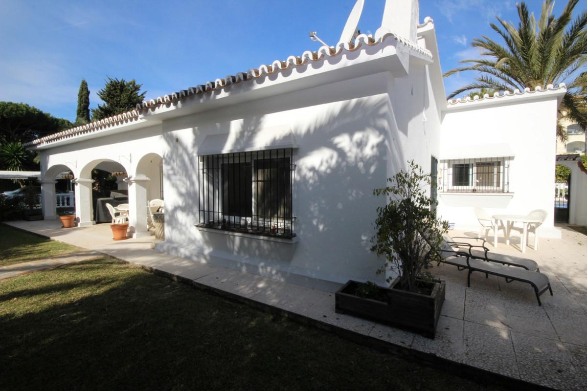 House in Elviria R113411 11