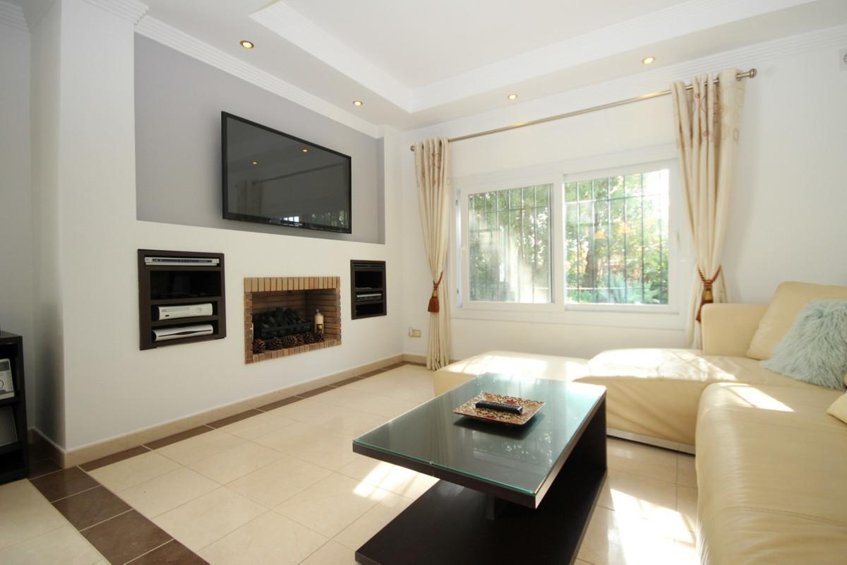 House in Elviria R113411 6
