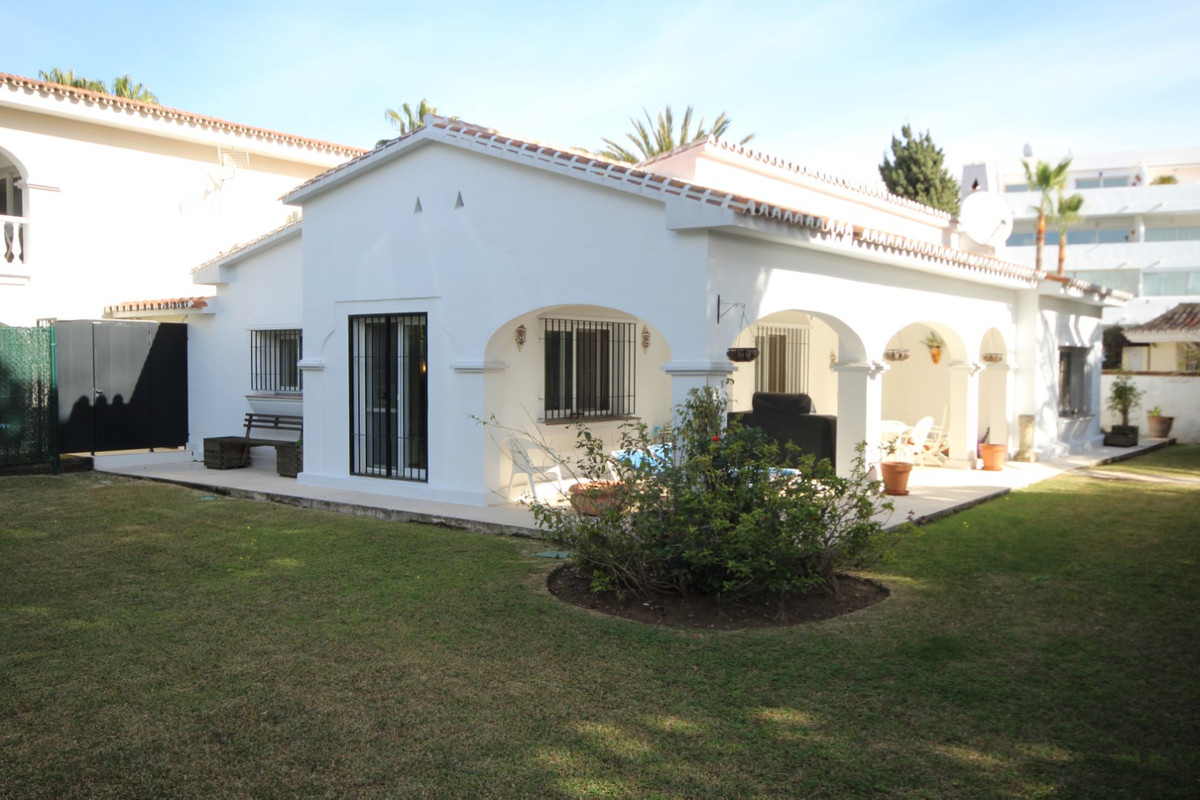 House in Elviria R113411 7