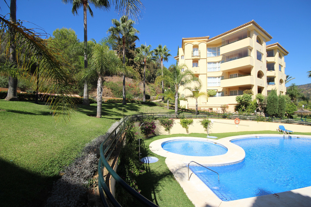 This extraordinarily sized and very private penthouse apartment in Las Terrazas de Santa Maria is lo,Spain