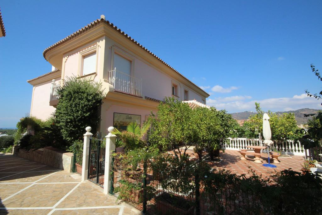 House in Artola R2771282 19