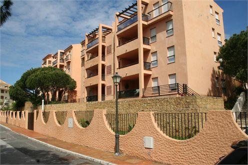 Freehold storage room for sale of 4,24 m2 in Los Pinares de Don Carlos - Conjunto Genova, Elviria, M,Spain