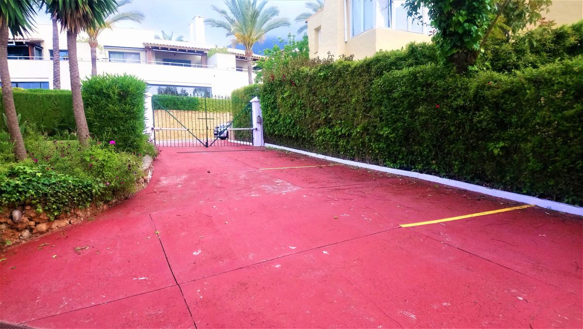 Townhouse, Marbella, Costa del Sol. 4 Bedrooms, 4 Bathrooms, Built 246 m², Terrace 55 m², Garden/Plo,Spain
