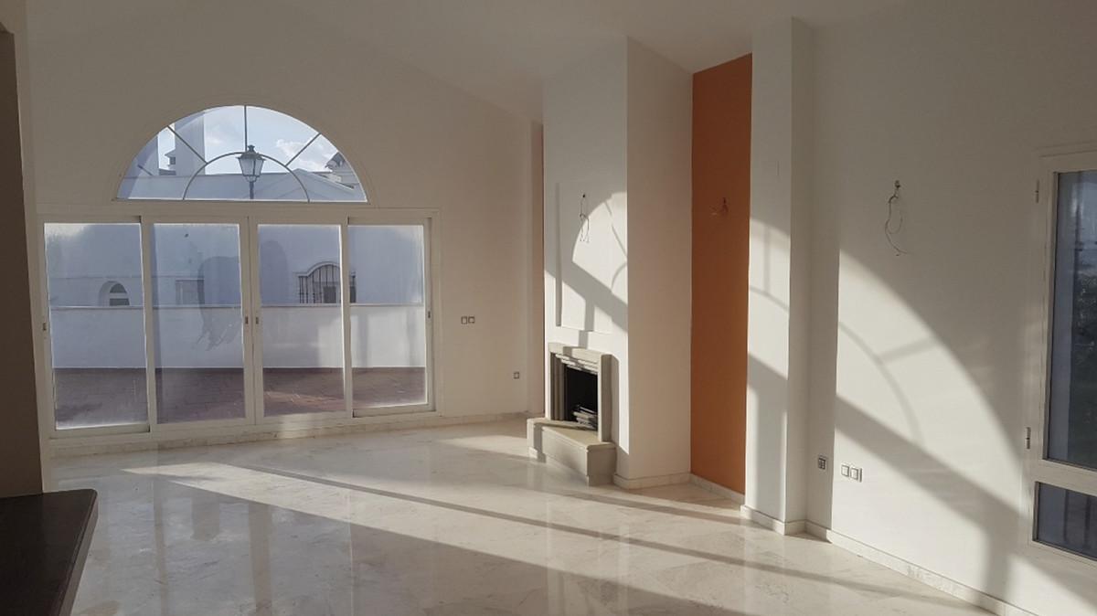 Rijhuis te koop in Riviera del Sol R3846829