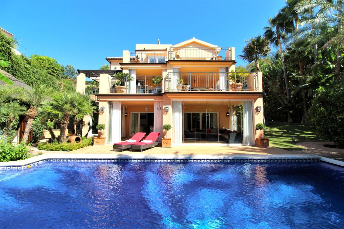 Detached Villa for sale in El Rosario R3520939