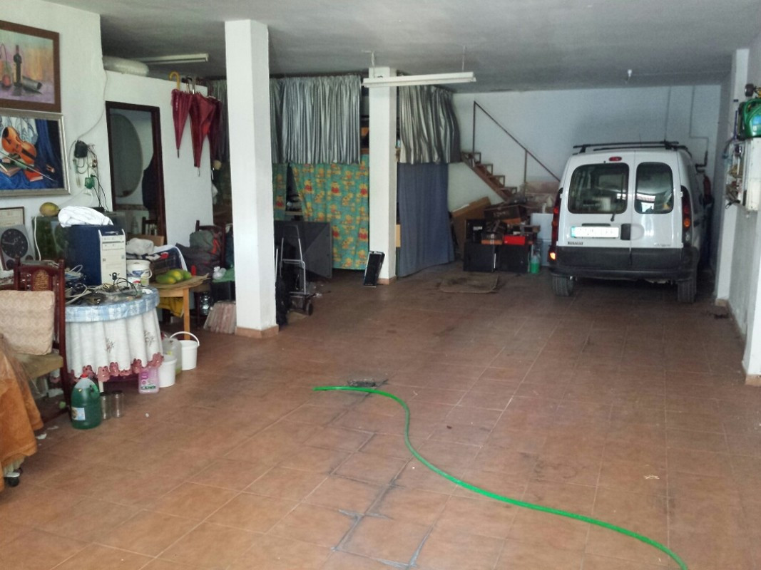 Local in the center of Fuengirola. Rectangular shape. It has a bathroom. It has 91 m2. It has all th,Spain