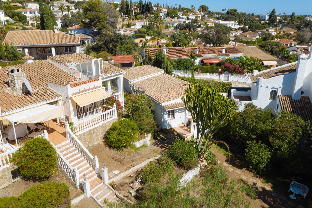 Villa Detached Elviria Málaga Costa del Sol R3096667 4