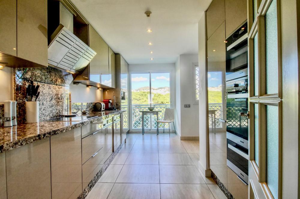 Apartment Penthouse Cabopino Málaga Costa del Sol R3067276 4