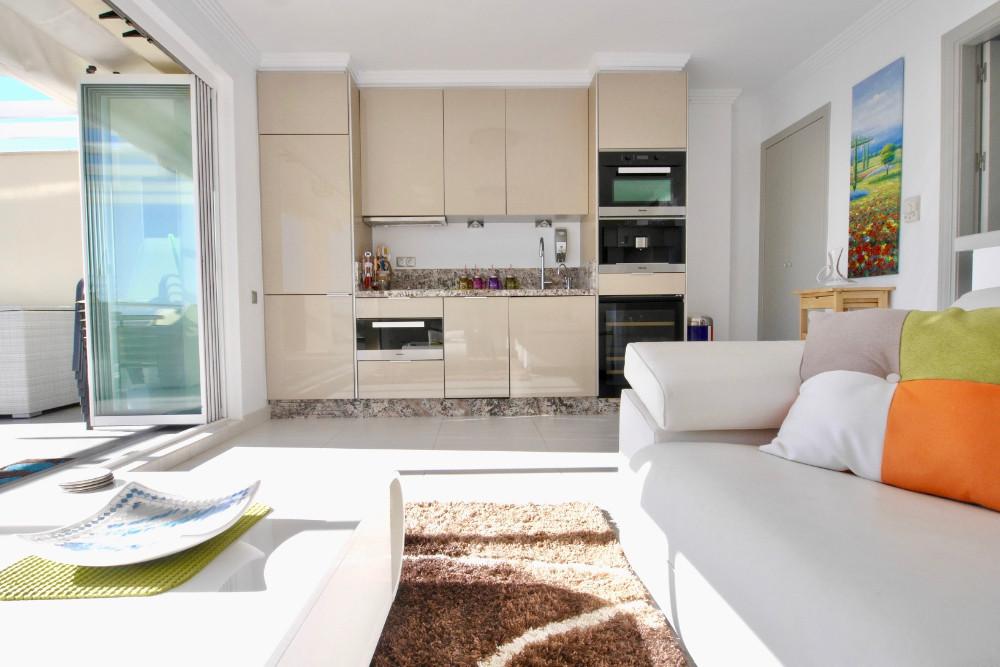 Apartment Penthouse Cabopino Málaga Costa del Sol R3067276 8