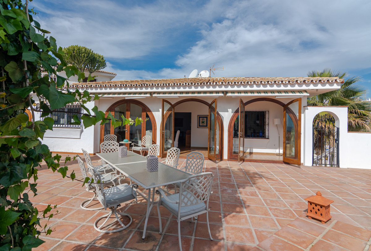 Villa Detached Torrenueva Málaga Costa del Sol R3626135 2