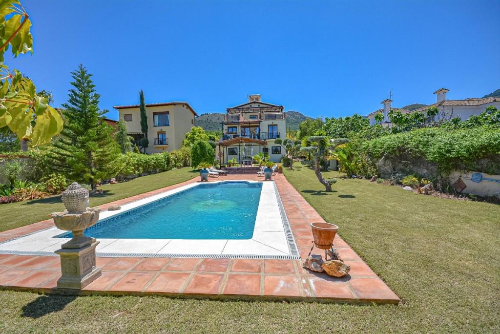 Villa Detached Alhaurín de la Torre Málaga Costa del Sol R2214611