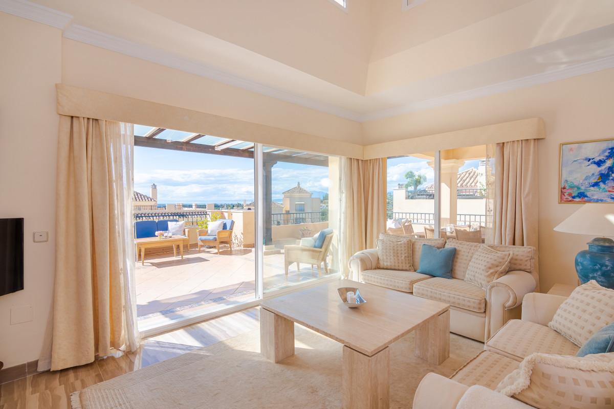 Apartment Penthouse Elviria Málaga Costa del Sol R3537454 6