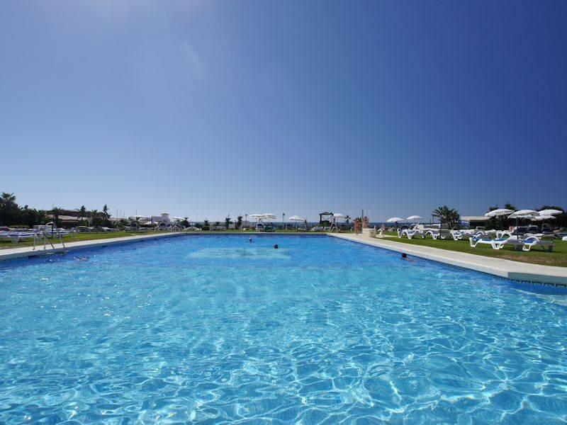 Apartment Middle Floor Puerto de Cabopino Málaga Costa del Sol R3082831