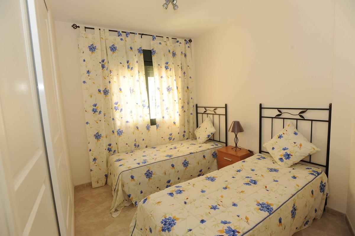 Apartment Middle Floor San Pedro de Alcántara Málaga Costa del Sol R2268770 7
