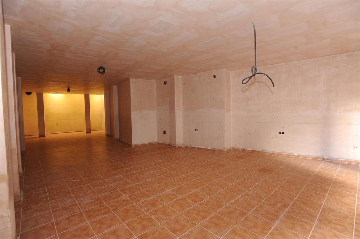Apartment Middle Floor San Pedro de Alcántara Málaga Costa del Sol R2268770 9