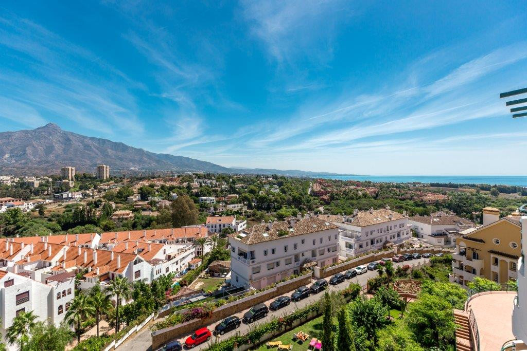 This well-kept apartment with 2 bedrooms and 2 bathrooms offers two nice terraces, the larger with a,Spain