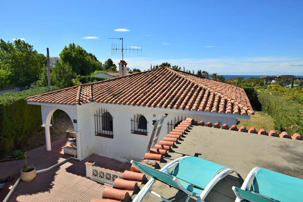 This 1-level house has been recently partly refurbished and has a functional layout featuring an ope,Spain