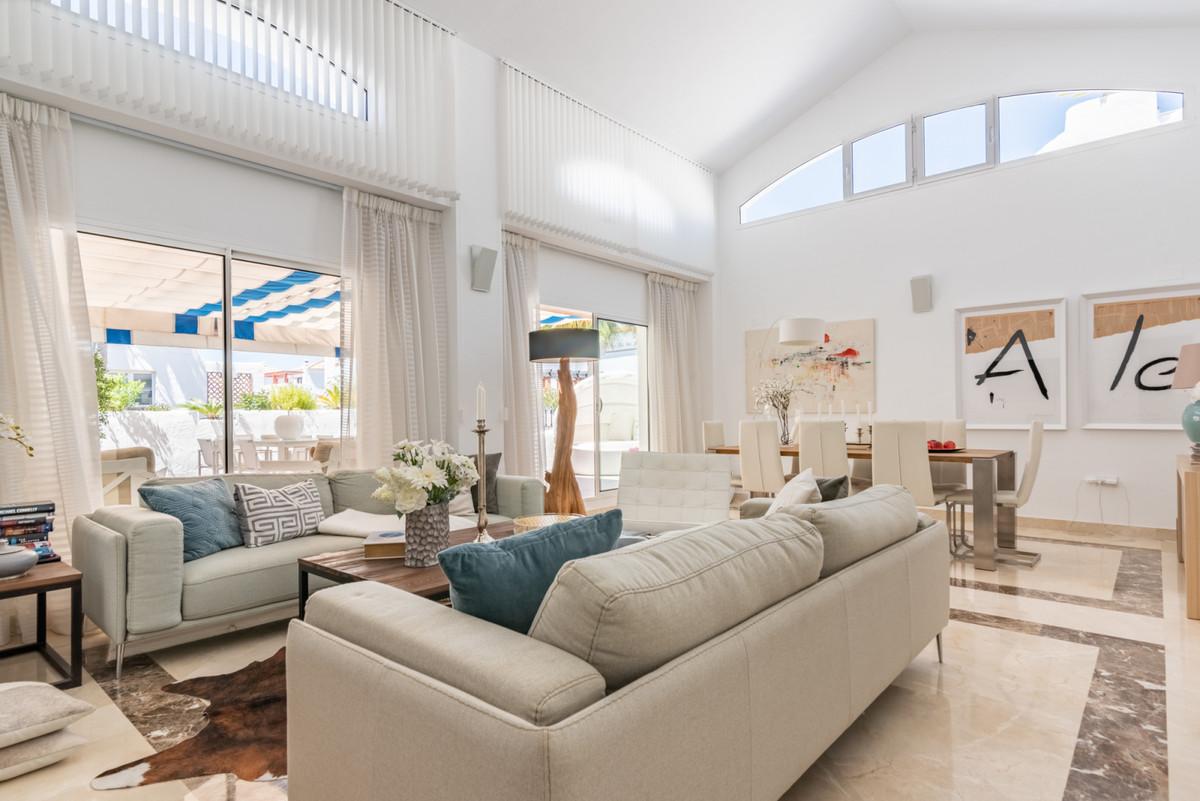 Apartment Penthouse San Pedro de Alcántara Málaga Costa del Sol R3442174 2