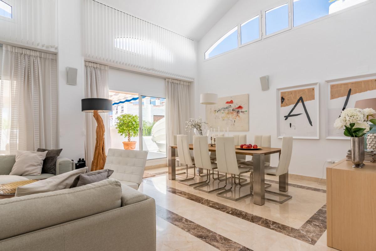 Apartment Penthouse San Pedro de Alcántara Málaga Costa del Sol R3442174 3
