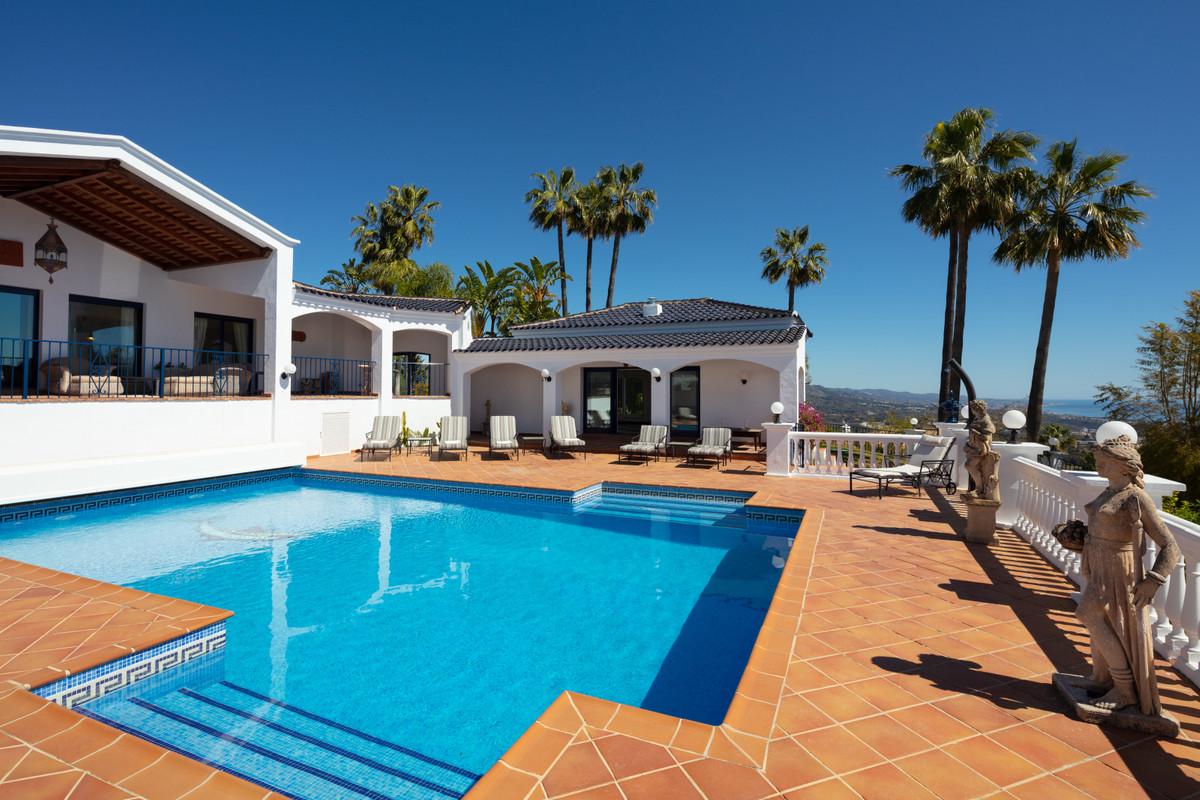 Villa con 9 Dormitorios en Venta El Madroñal