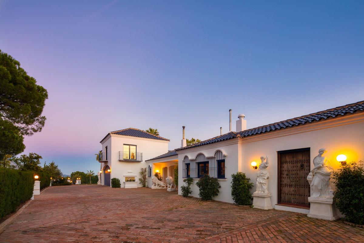 9 Bedroom Villa for sale Marbella